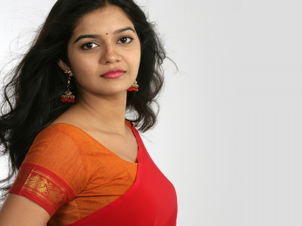 Colors Swathi in Red Saree Wallpapers in jpg format for free