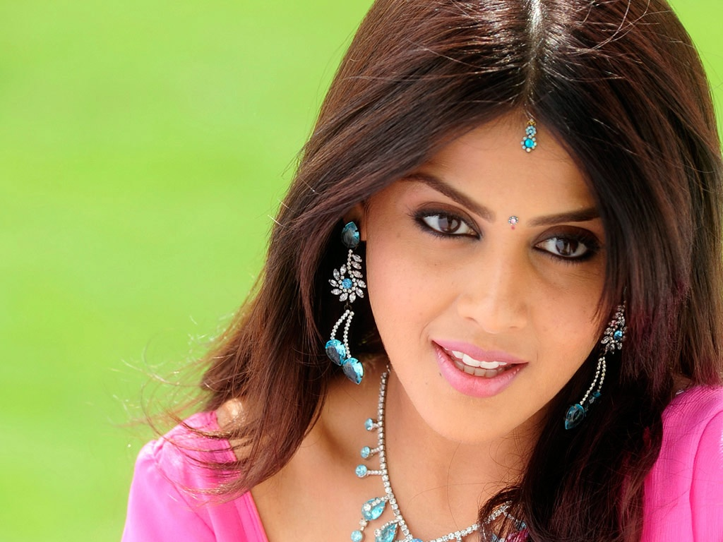 Genelia Lovely Wallpapers In Jpg Format For Free Download
