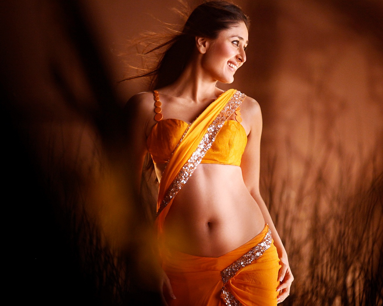 kareena kapoor 2012 movie wallpapers in jpg format for free download