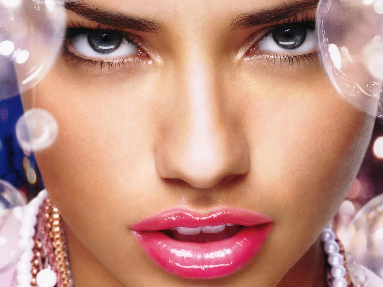 Adriana Lima Pretty Lips Wallpapers