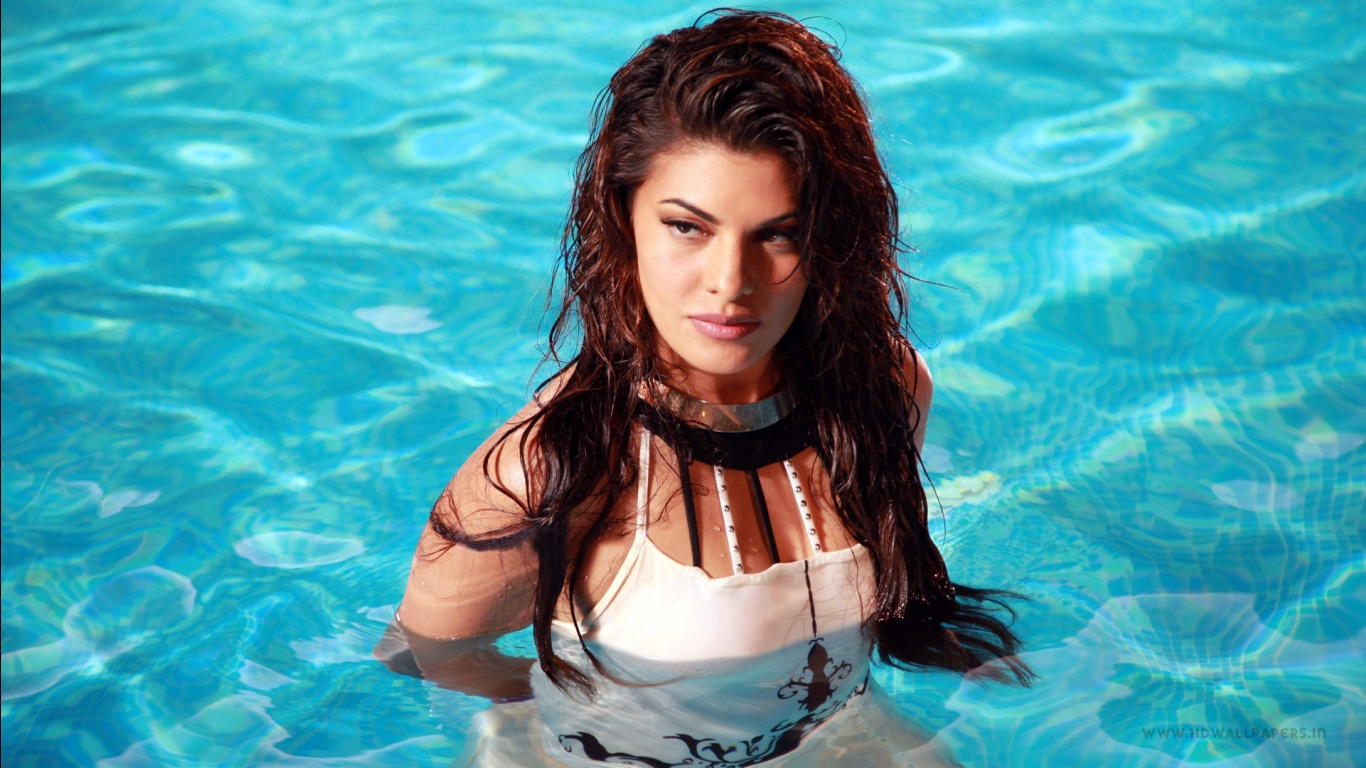 jacqueline fernandez hot wallpapers in jpg format for free download