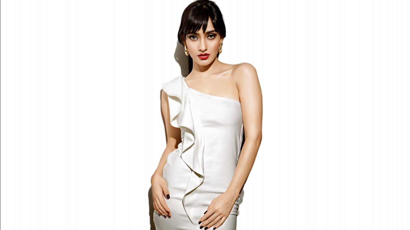 Neha Sharma Bollywood Wallpapers