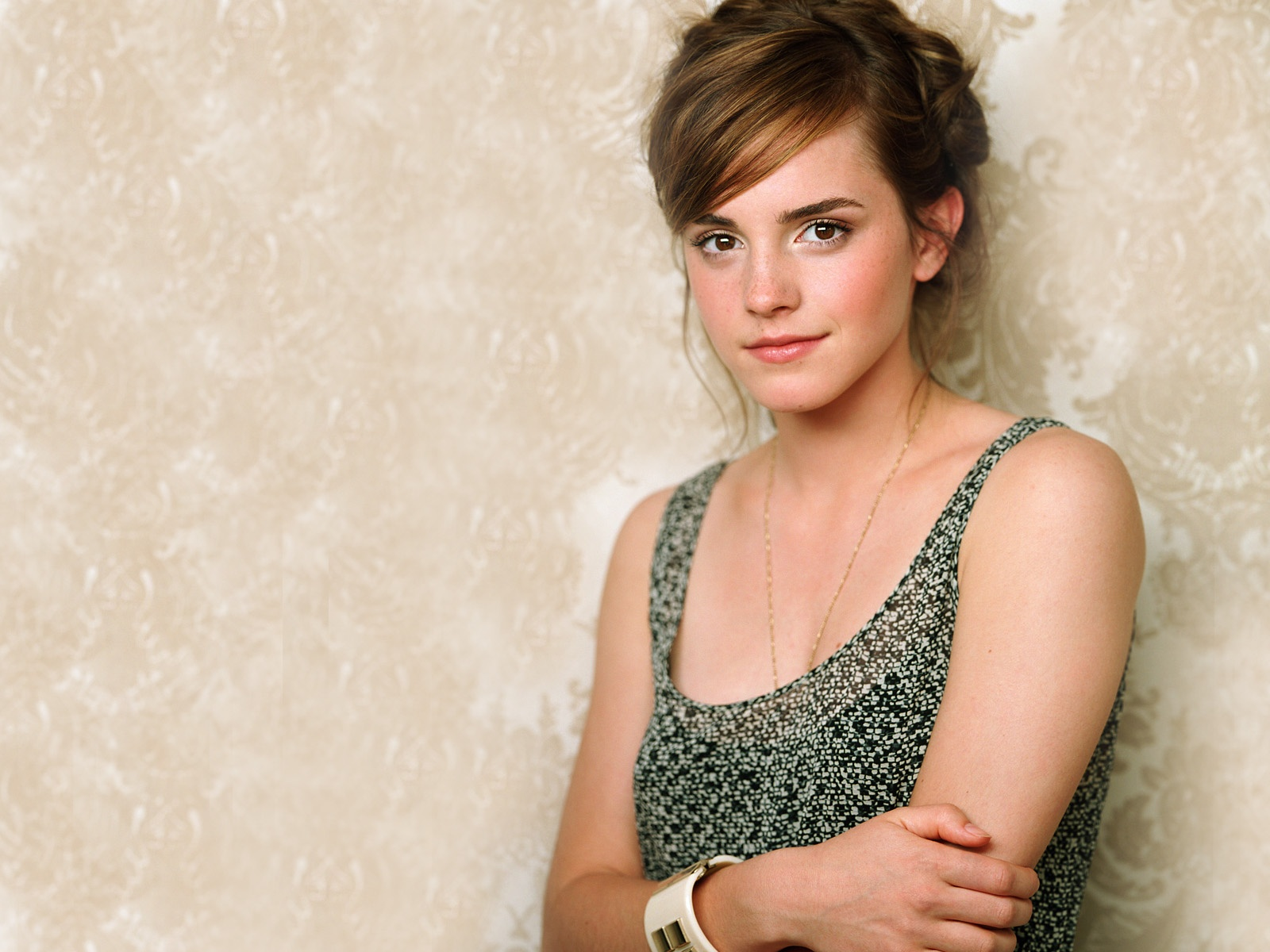 Emma Watson Latest High Quality Wallpapers in jpg format for free