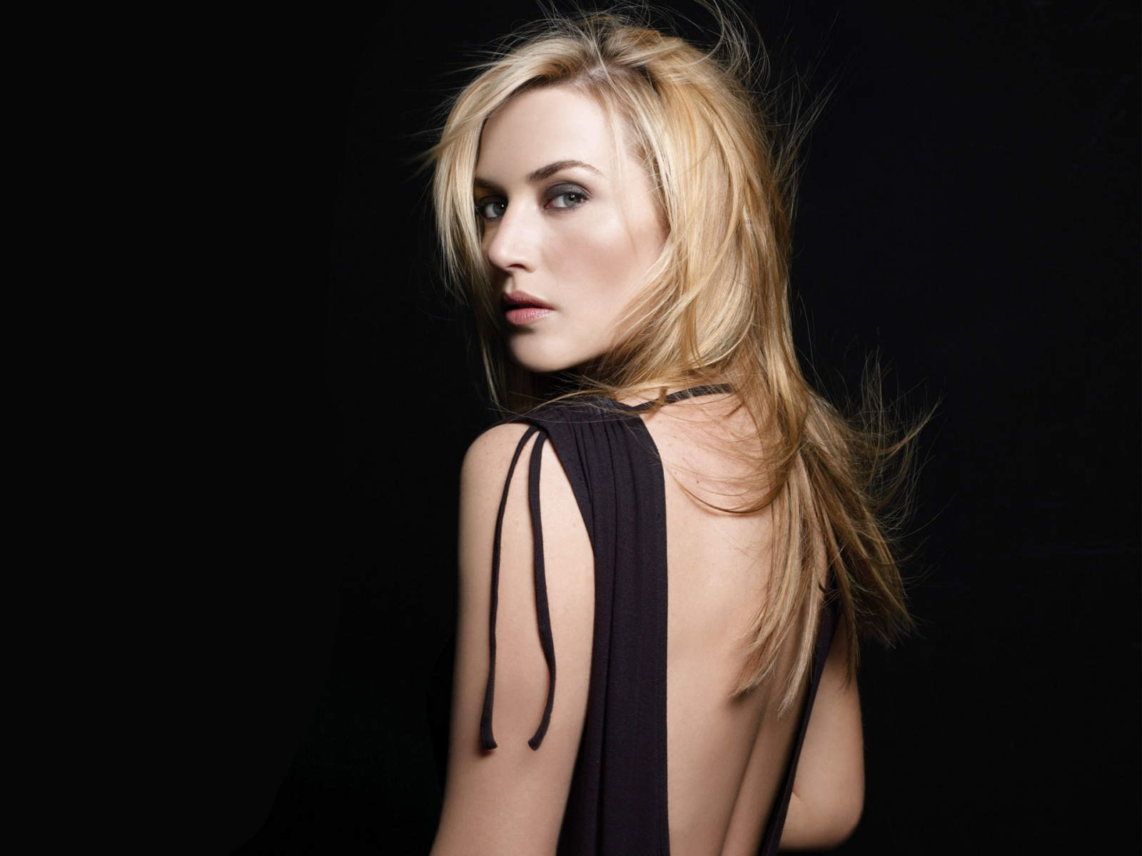 Hot Celebrity Kate Winslet Wallpapers In Jpg Format For Free Download