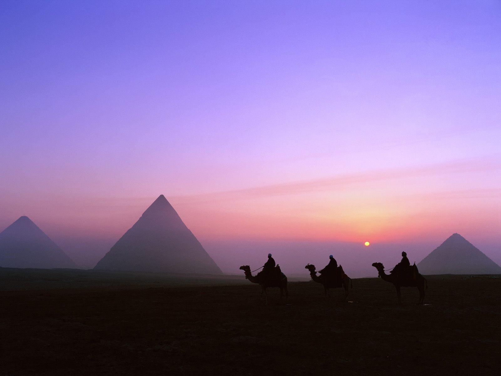 Group Of Pyramids Wallpaper
