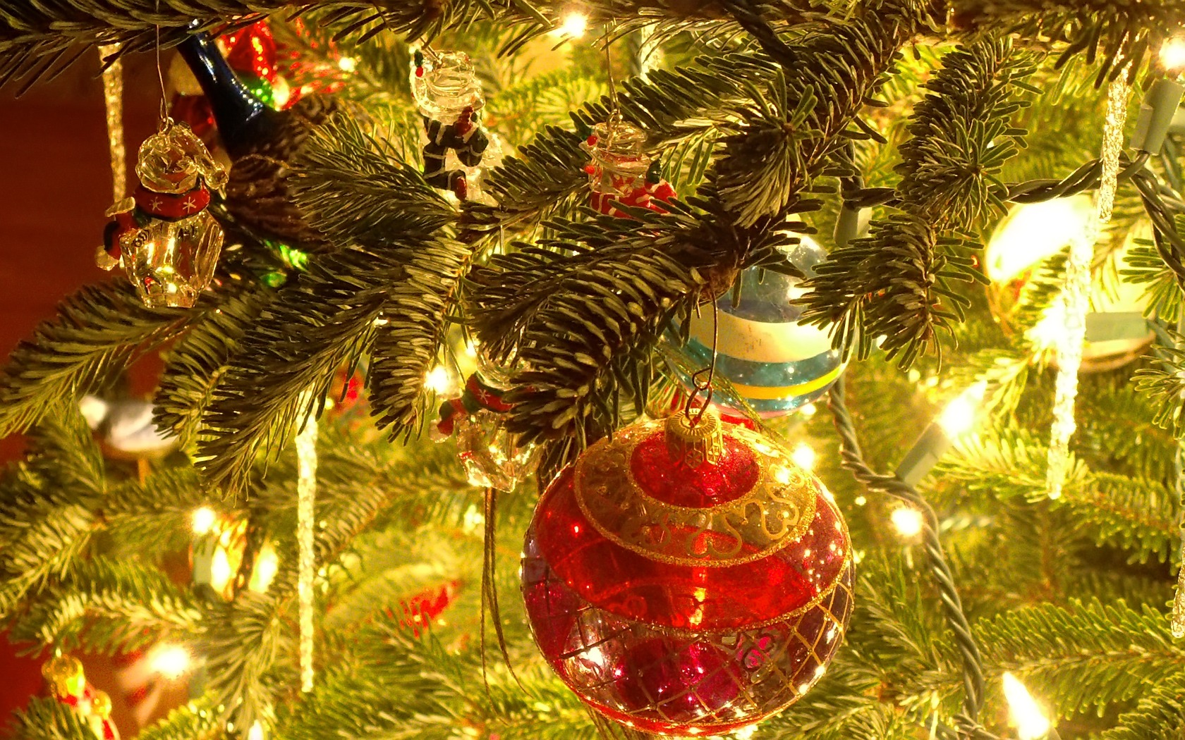 Christmas Tree Ornaments Wallpaper Holidays Wallpapers