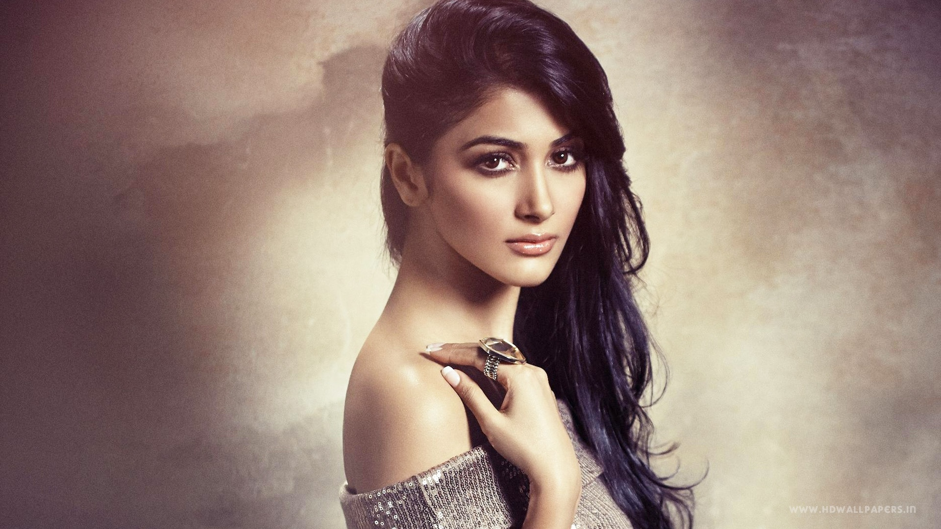 Pooja Hegde Bollywood Actress Wallpapers In Jpg Format For Free Download