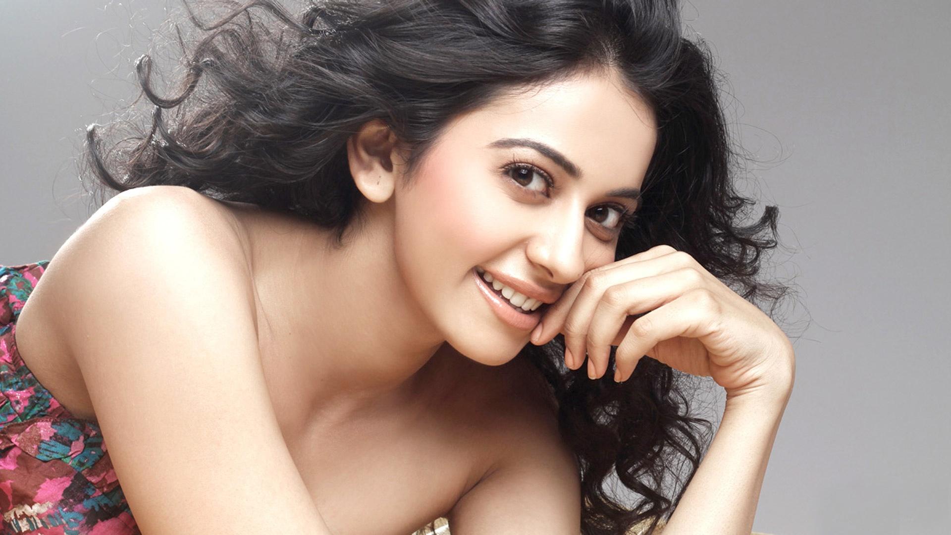 Rakul Preet Singh Telugu Actress Wallpapers In Jpg Format For Free