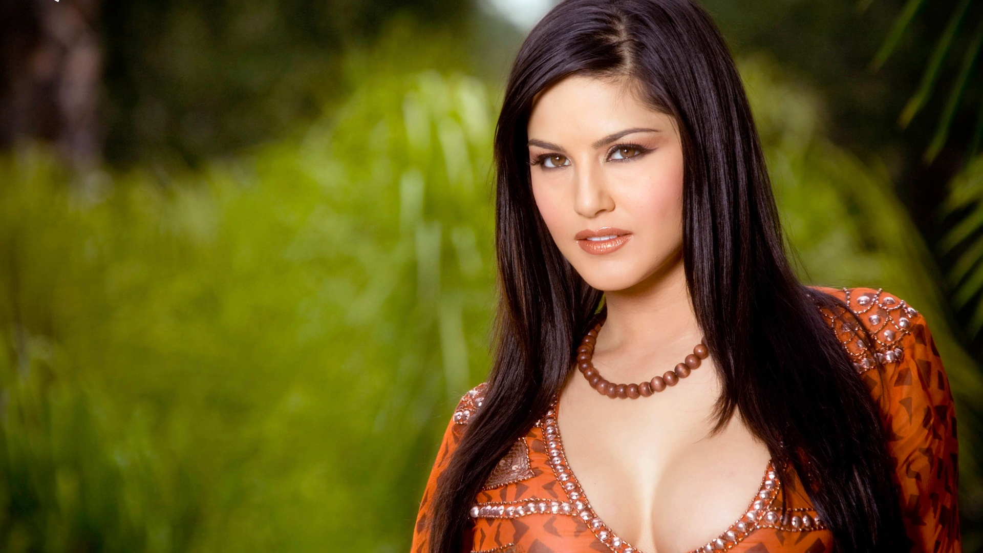 sunny leone wallpapers in jpg format for free download
