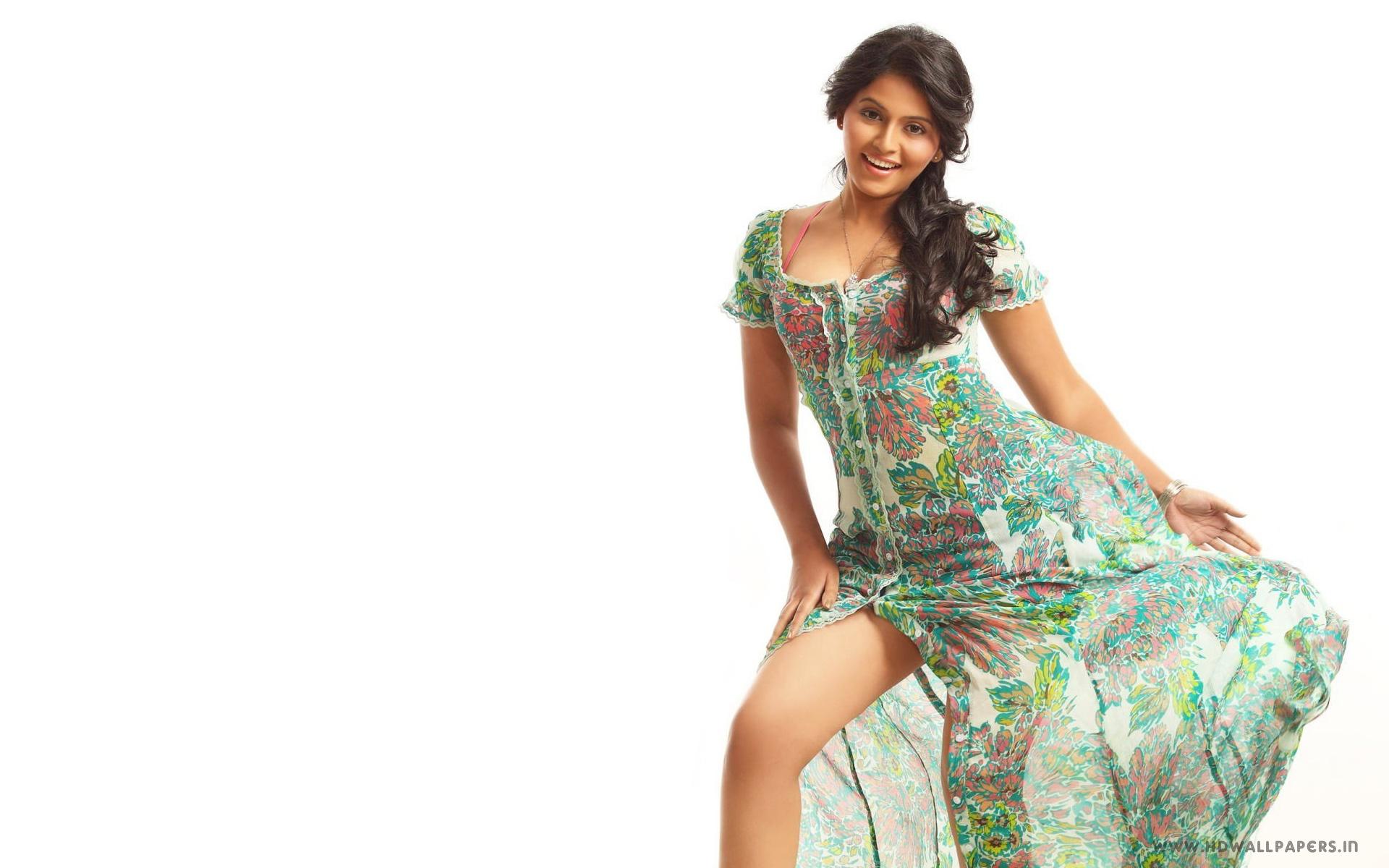 Anjali hot legs