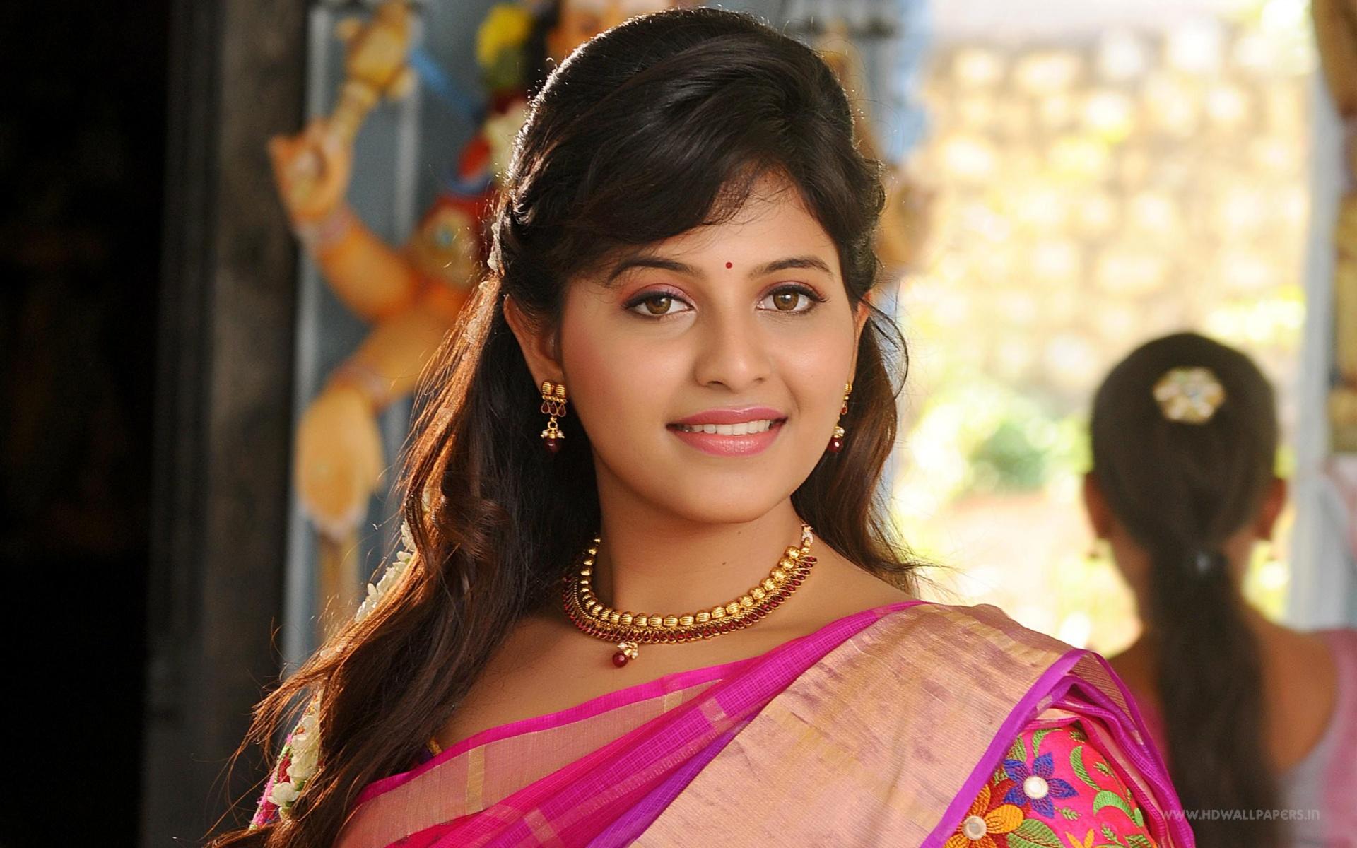 Anjali Tamil Actress Wallpapers