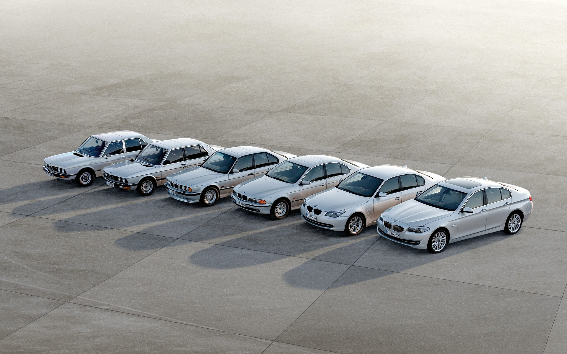 Bmw 5 Series Wallpaper Bmw Cars Wallpapers In Jpg Format For Free