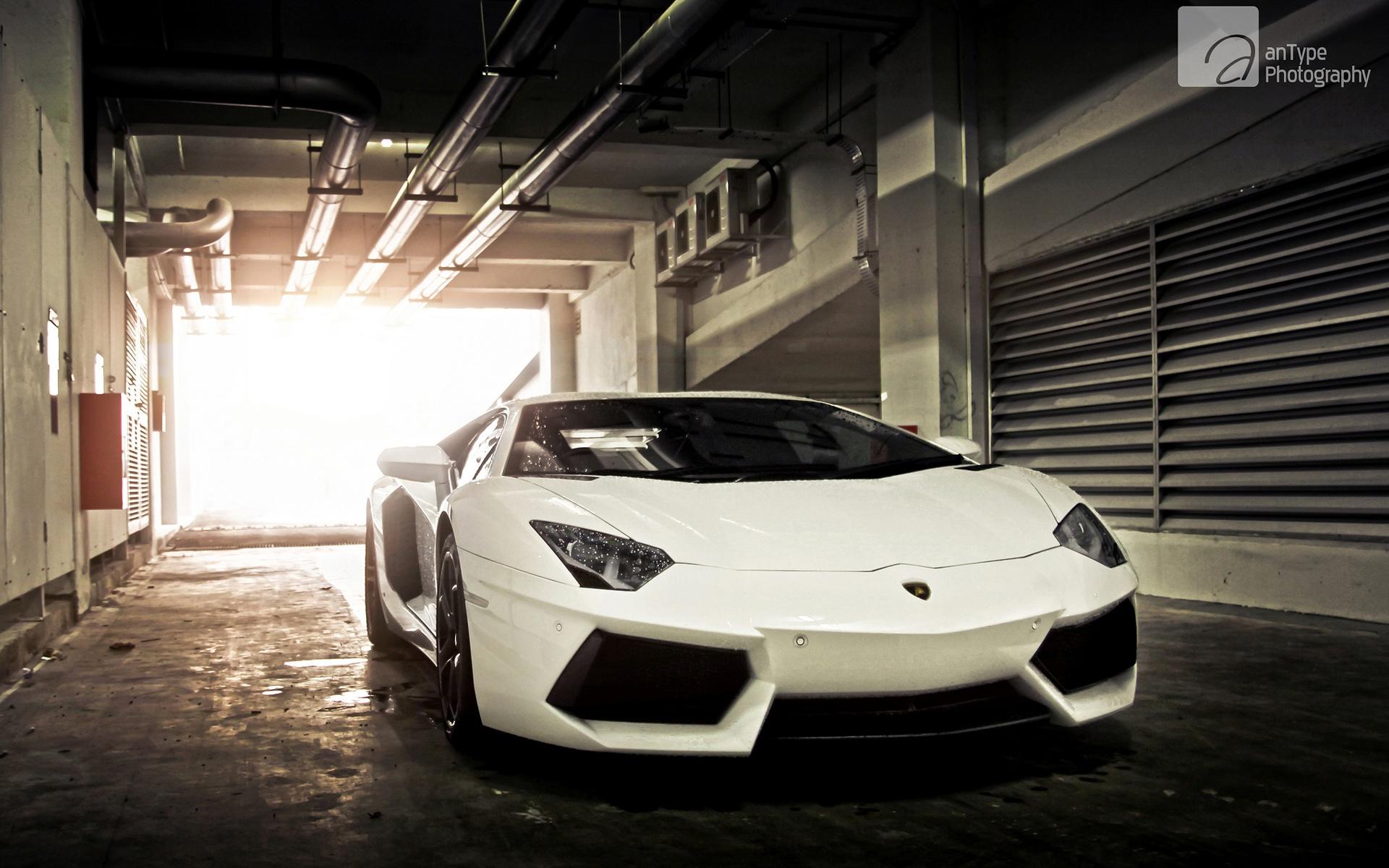 Lamborghini Aventador Latest Wallpapers