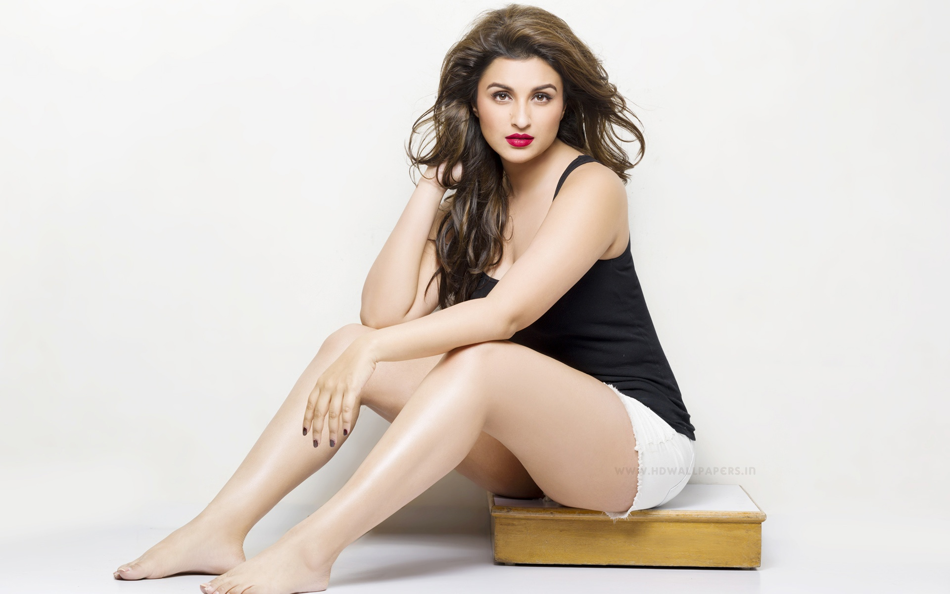 parineeti chopra 2015 hot wallpapers in jpg format for free download