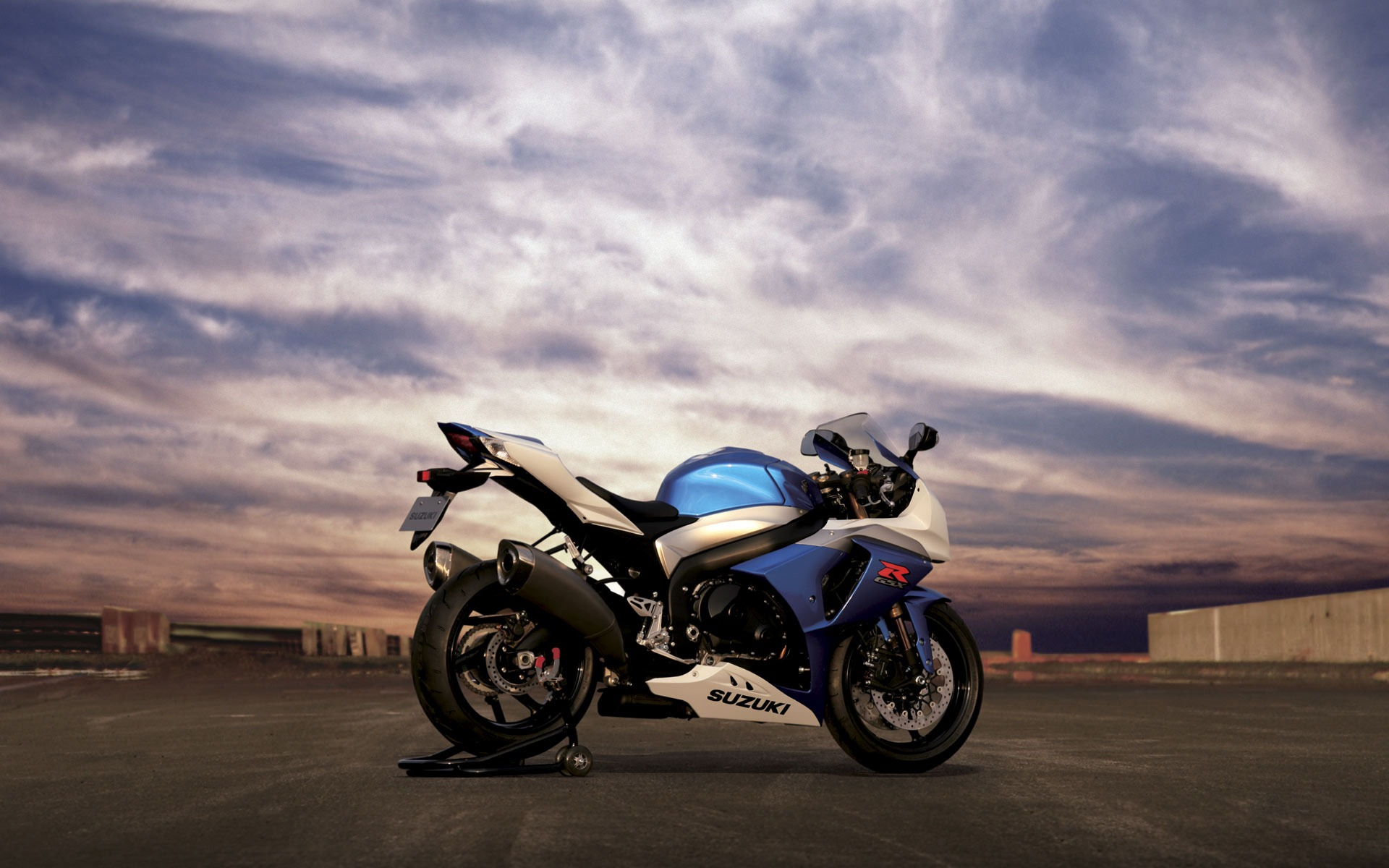 suzuki gsx r1000 wallpaper suzuki motorcycles wallpapers in jpg