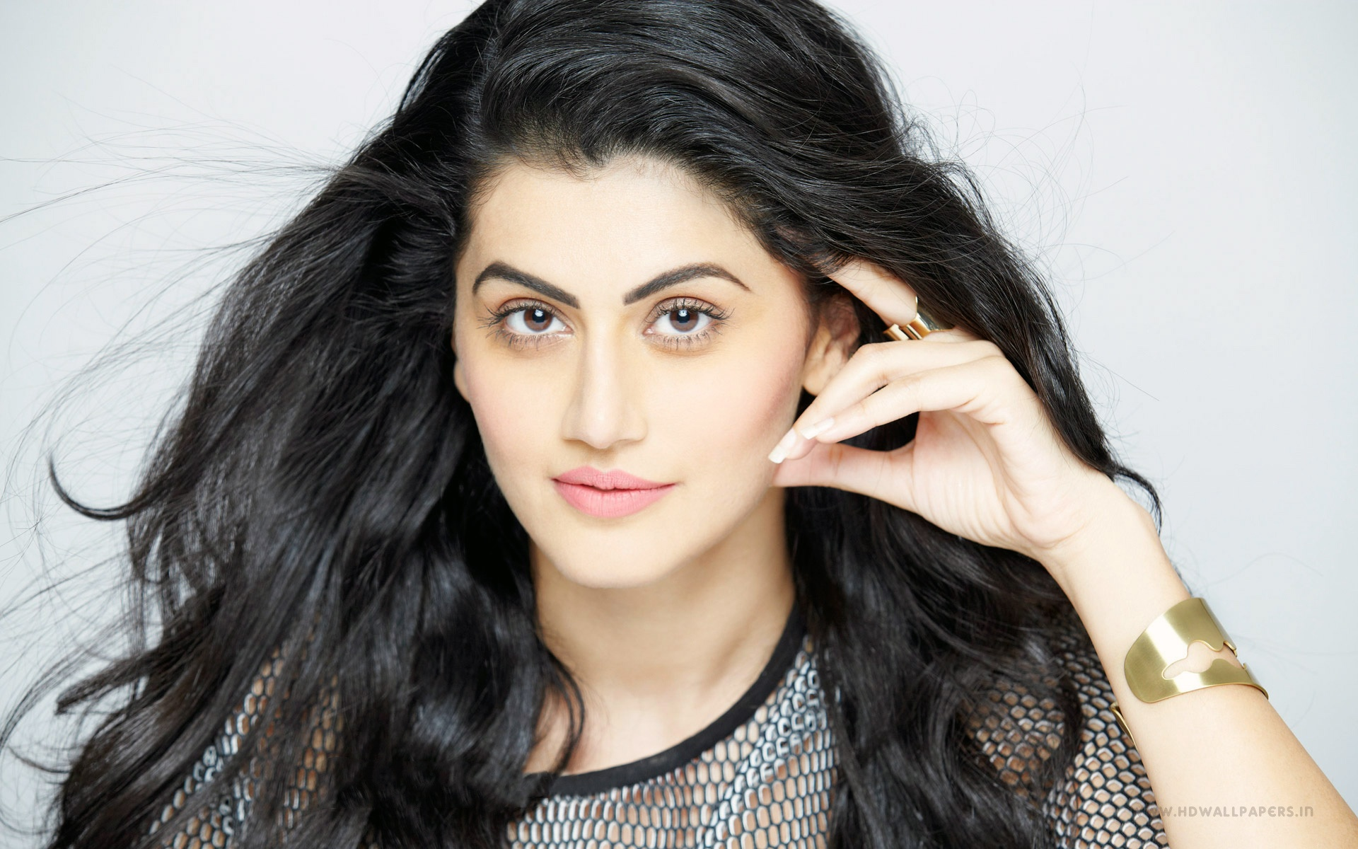 taapsee pannu indian actress wallpapers in jpg format for free download