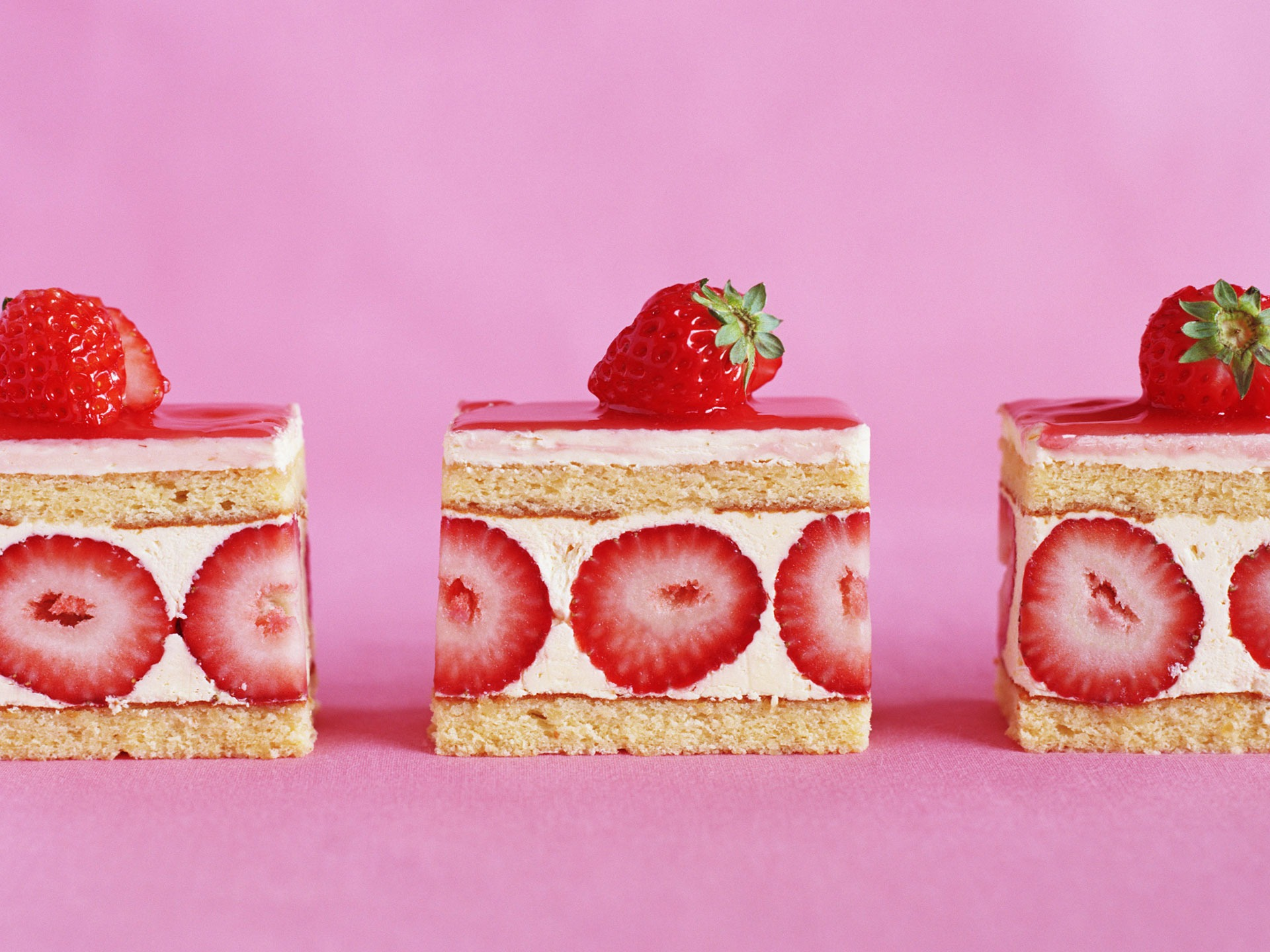 Strawberry Cake Wallpaper Miscellaneous Other Wallpapers in jpg