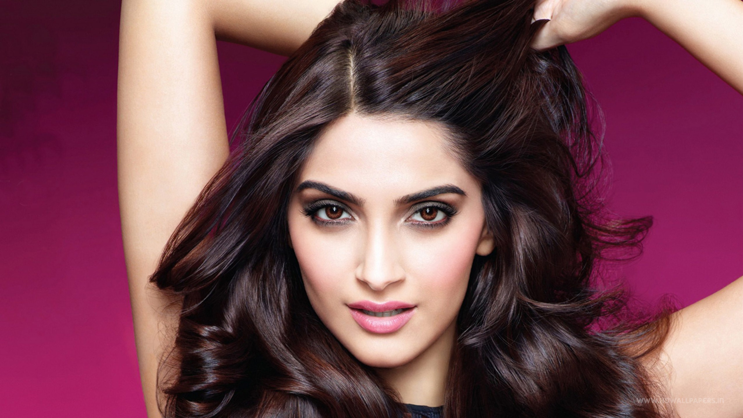 Sonam Kapoor India Wallpapers In Jpg Format For Free Download