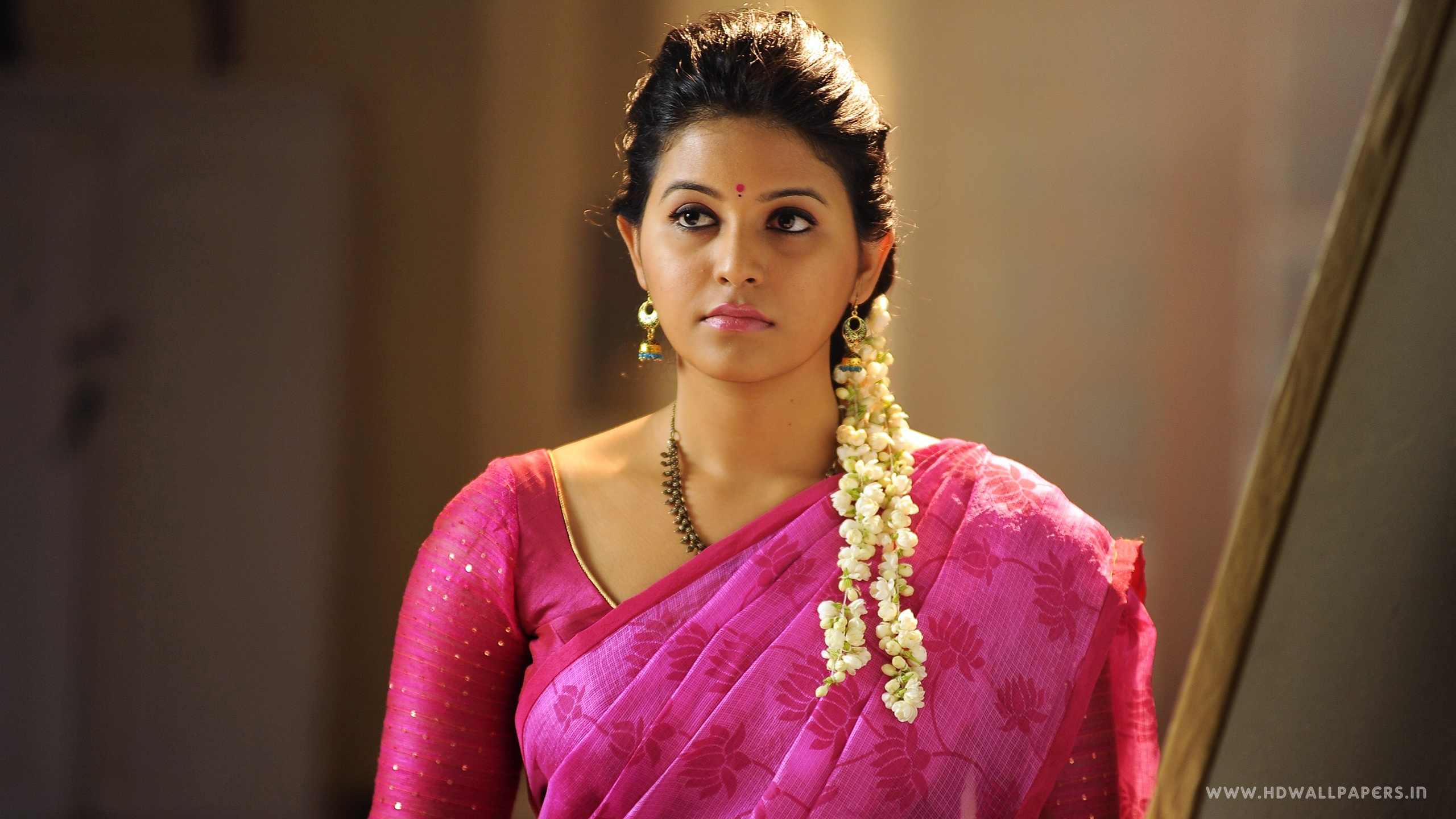 Tamil Actress Anjali Wallpapers In Jpg Format For Free Download