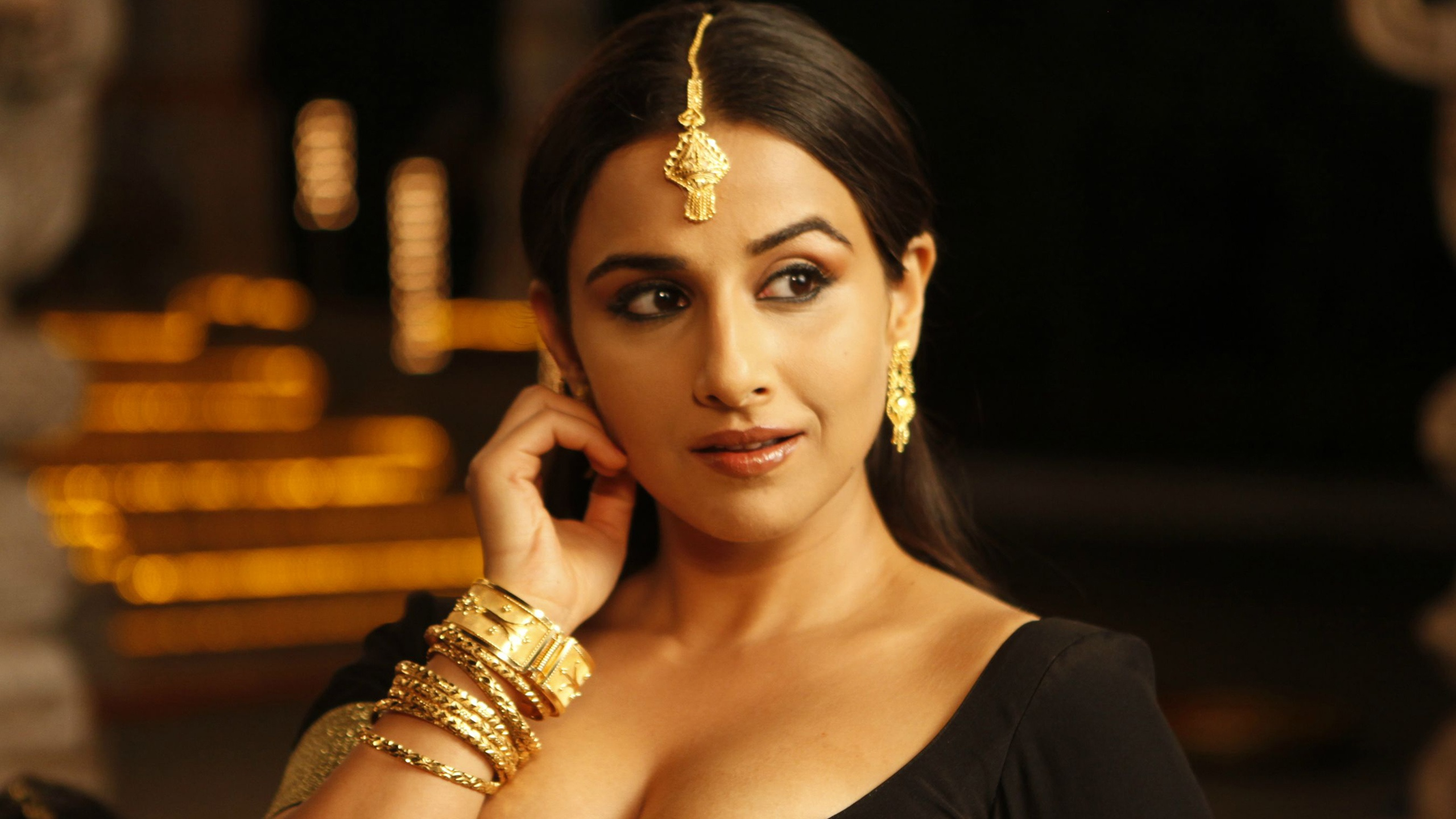 Vidya Balan In The Dirty Picture Wallpapers In Jpg Format For Free