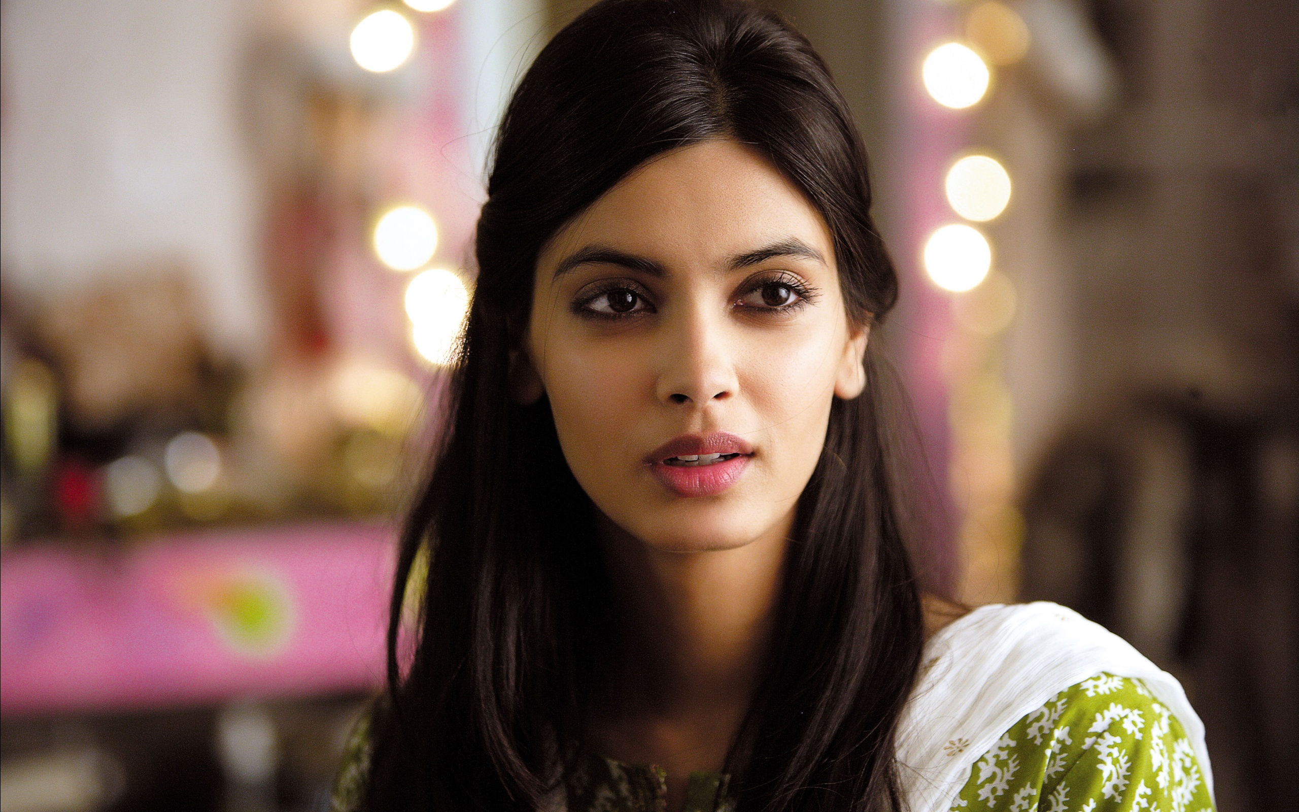 diana penty in cocktail movie wallpapers in jpg format for free download