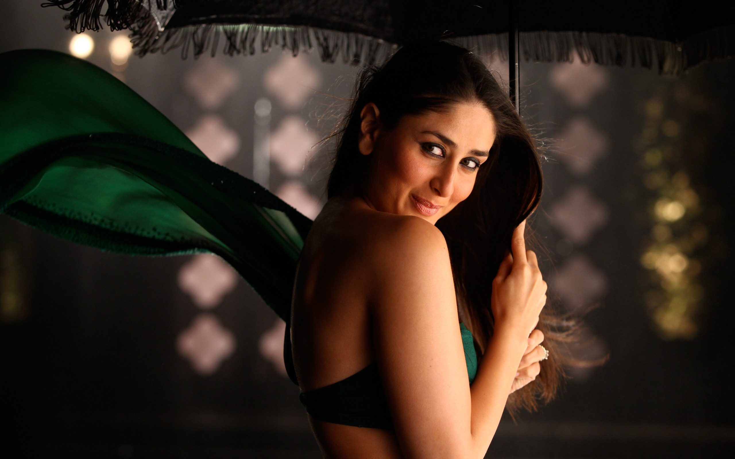 kareena kapoor in bodyguard wallpapers in jpg format for free download