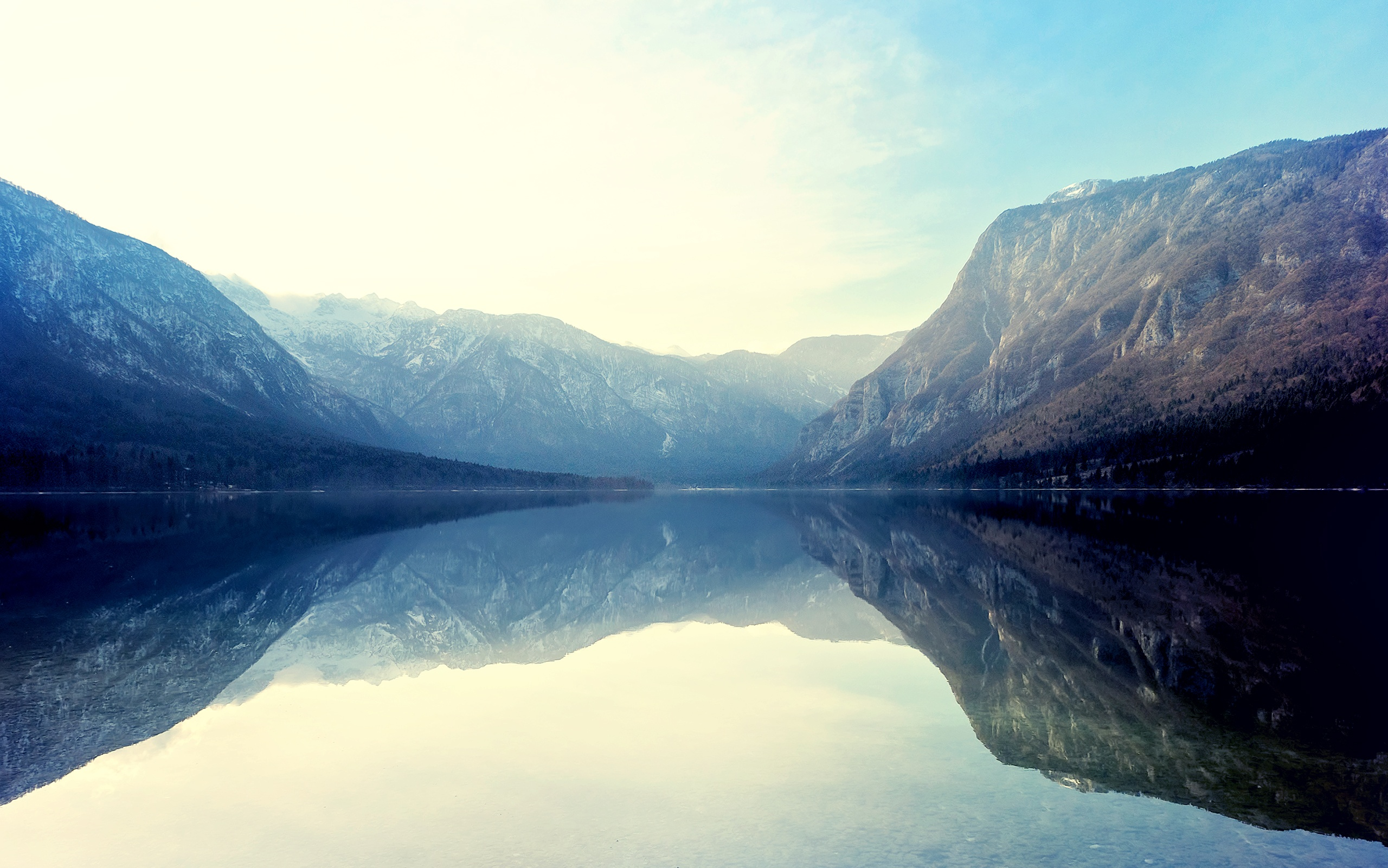 Top Wallpaper Mountain Water - lake_reflections_in_water_11893  Graphic_807359.jpg