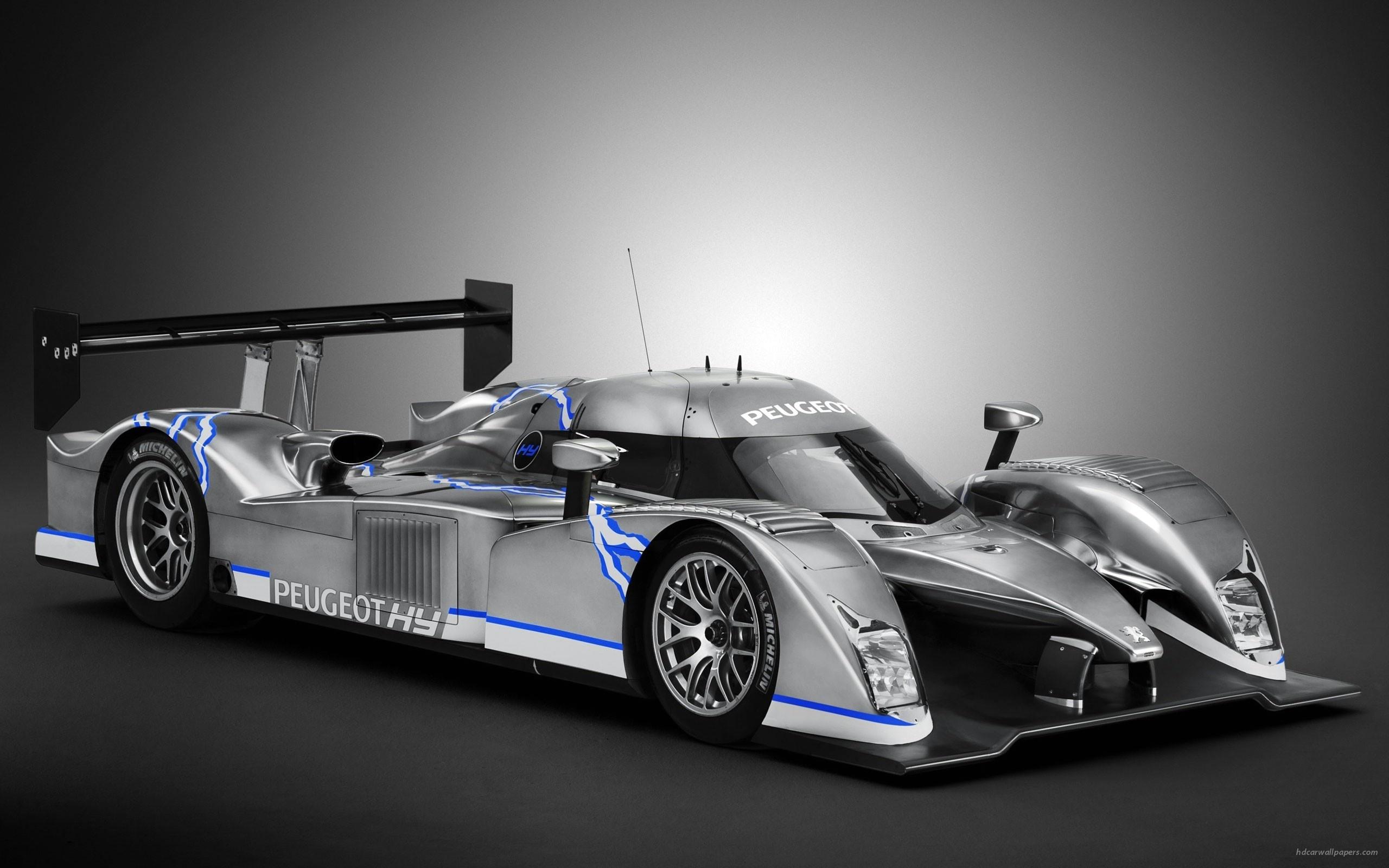 Peugeot year tribute to Dario Resta L R Hybrid Racing