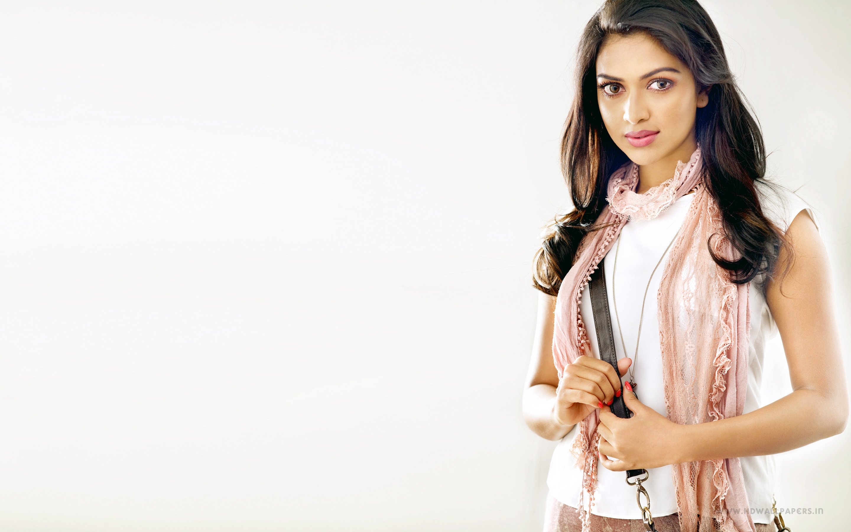 actress amala paul wallpapers in jpg format for free download
