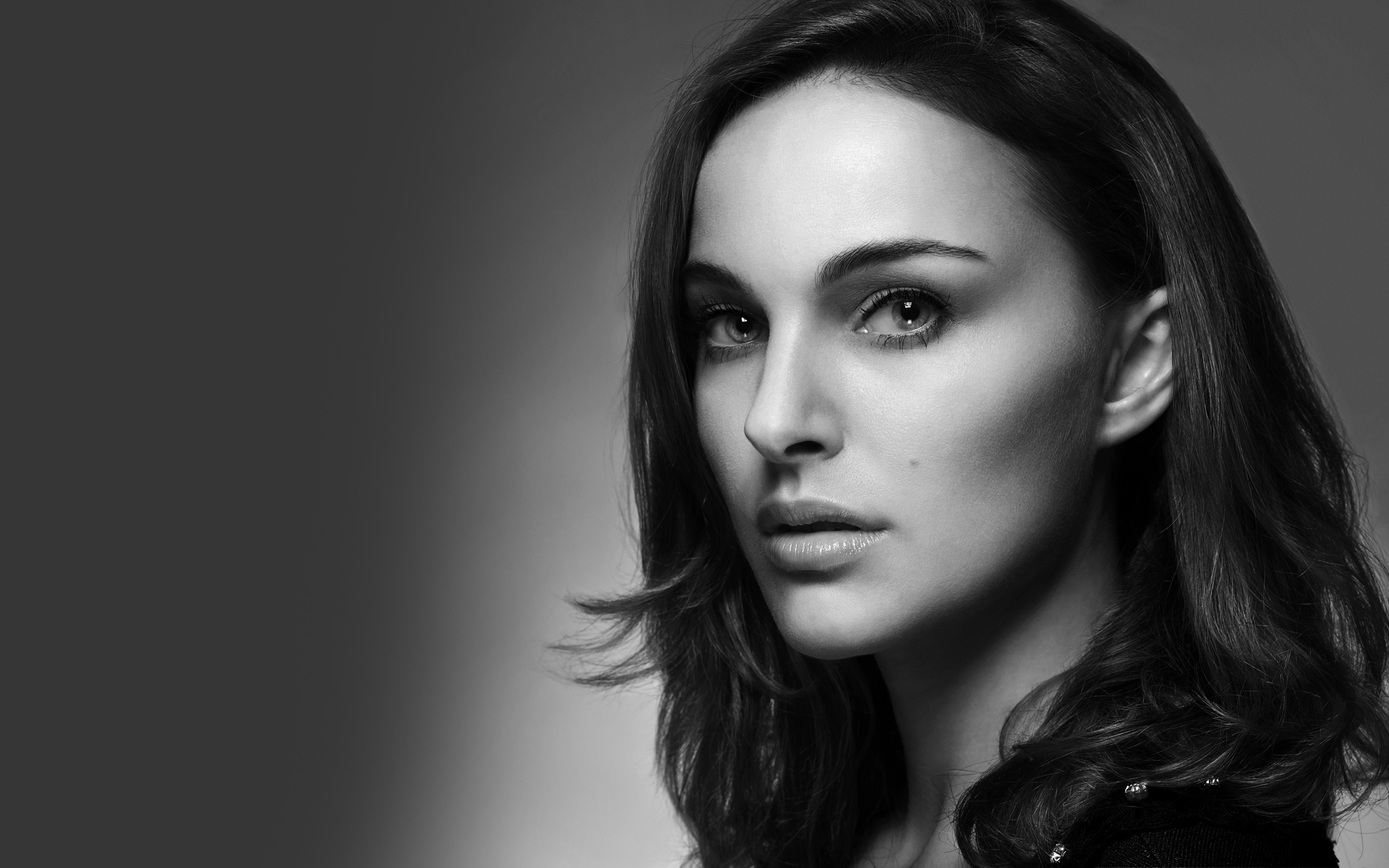 Natalie Portman Hollywood Actress Wallpapers In Jpg Format