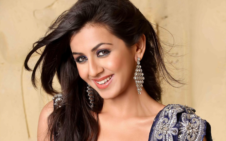 Nikki Galrani Indian Actress Wallpapers In Jpg Format For Free Download