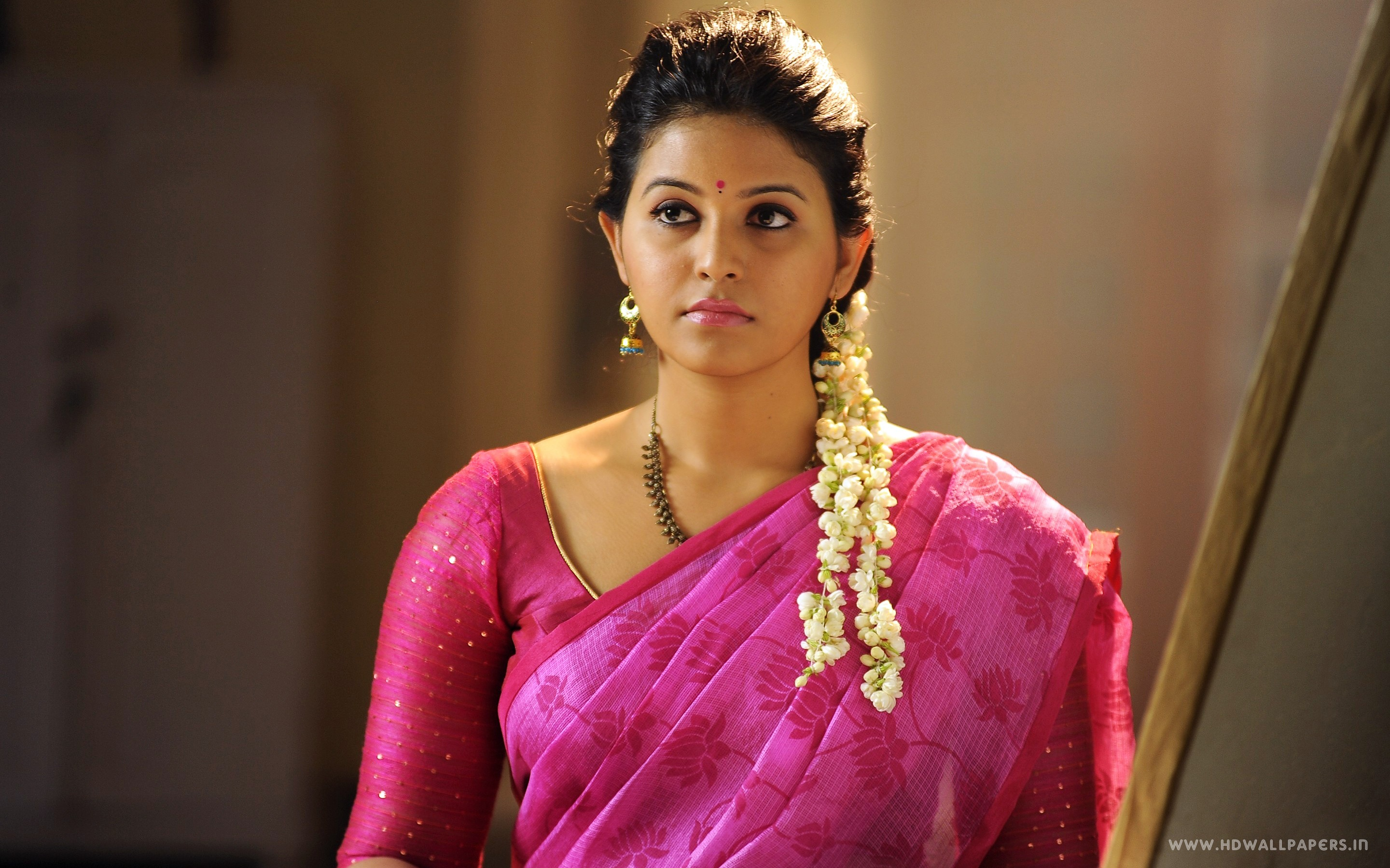 Tamil Actress Anjali Wallpapers