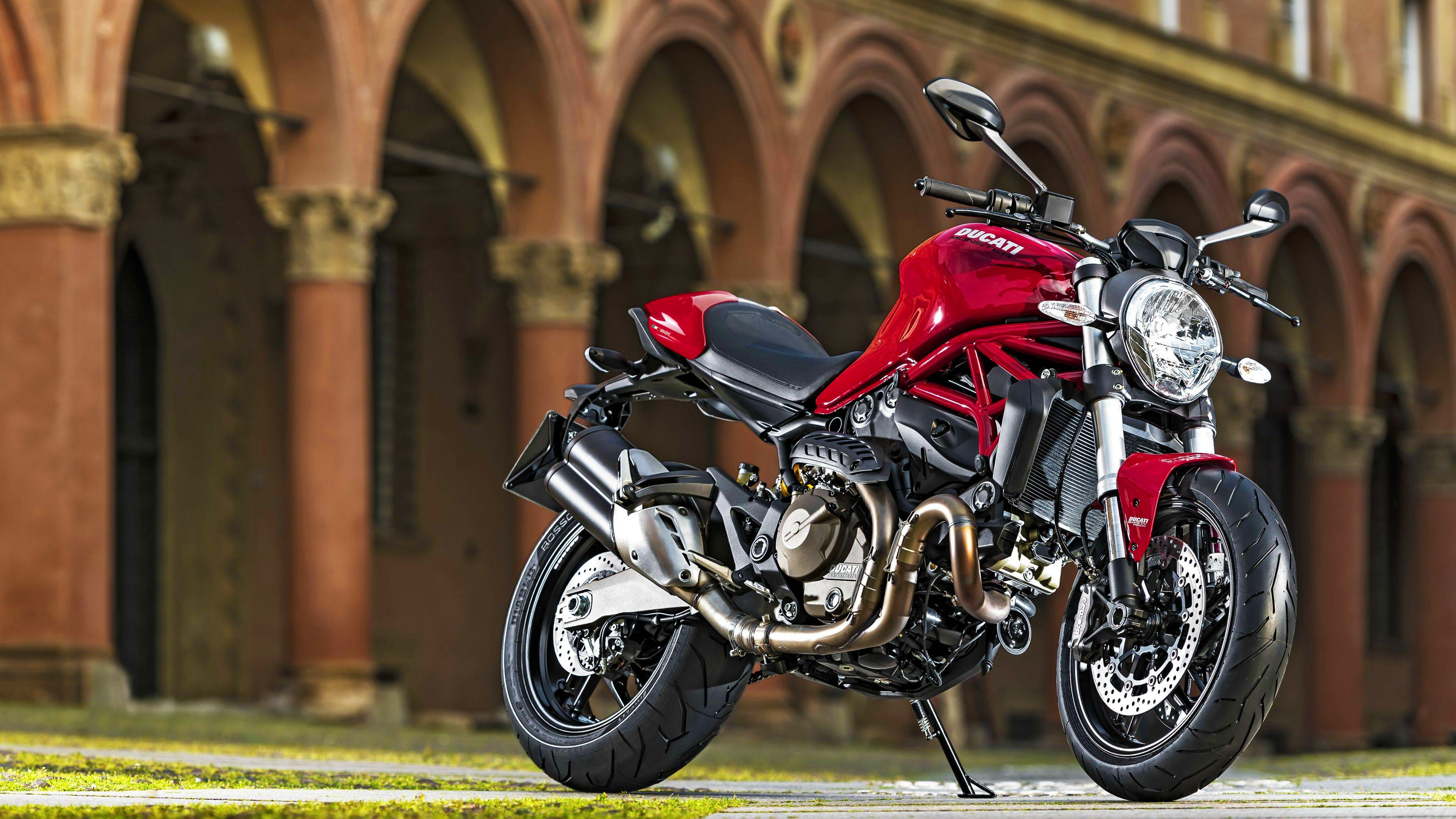 New Ducati Diavel  The MaxiNaked Powerful and