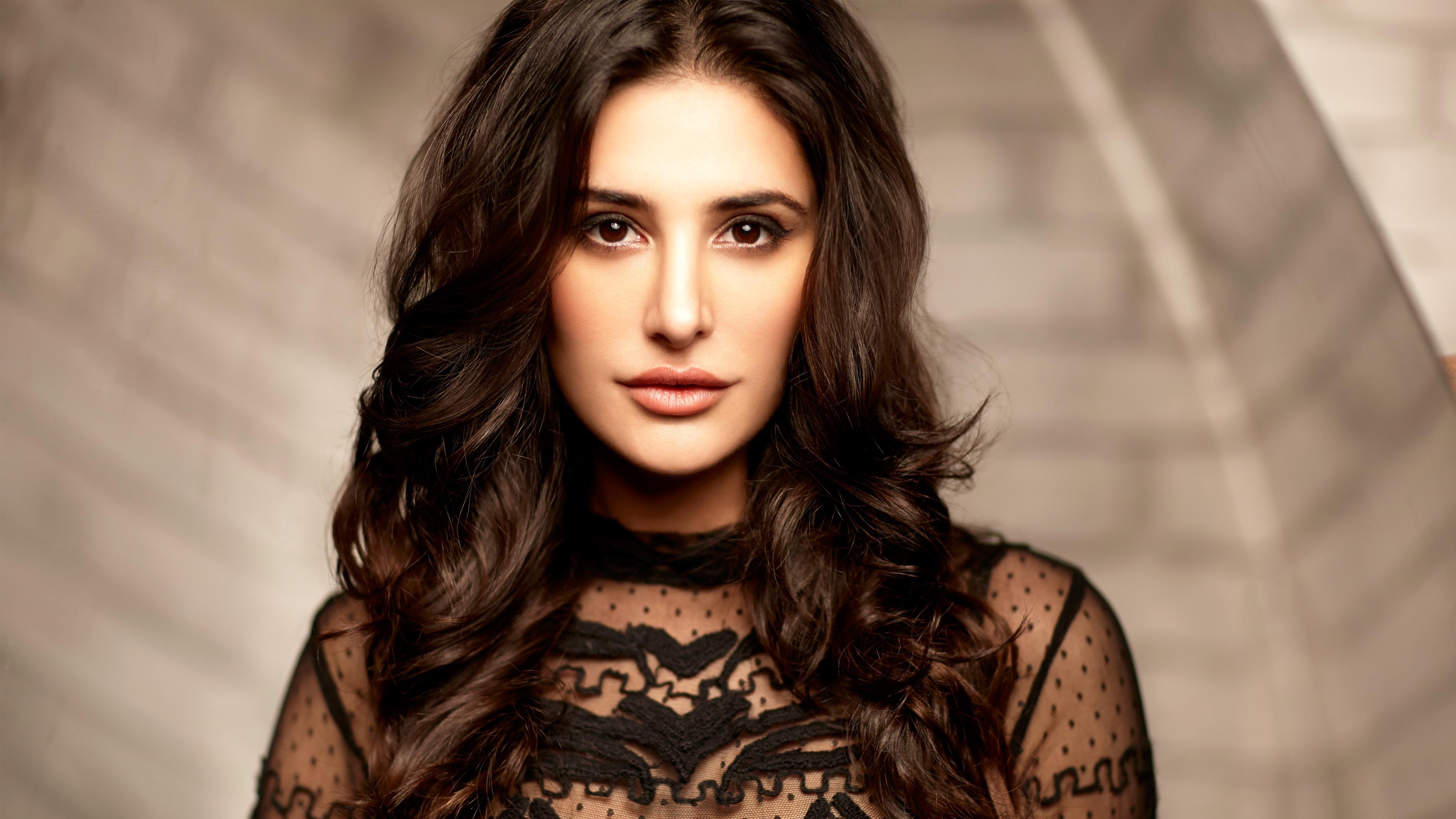 Hot Indian Actress Pics With Name - ▷ ▷ PowerMall