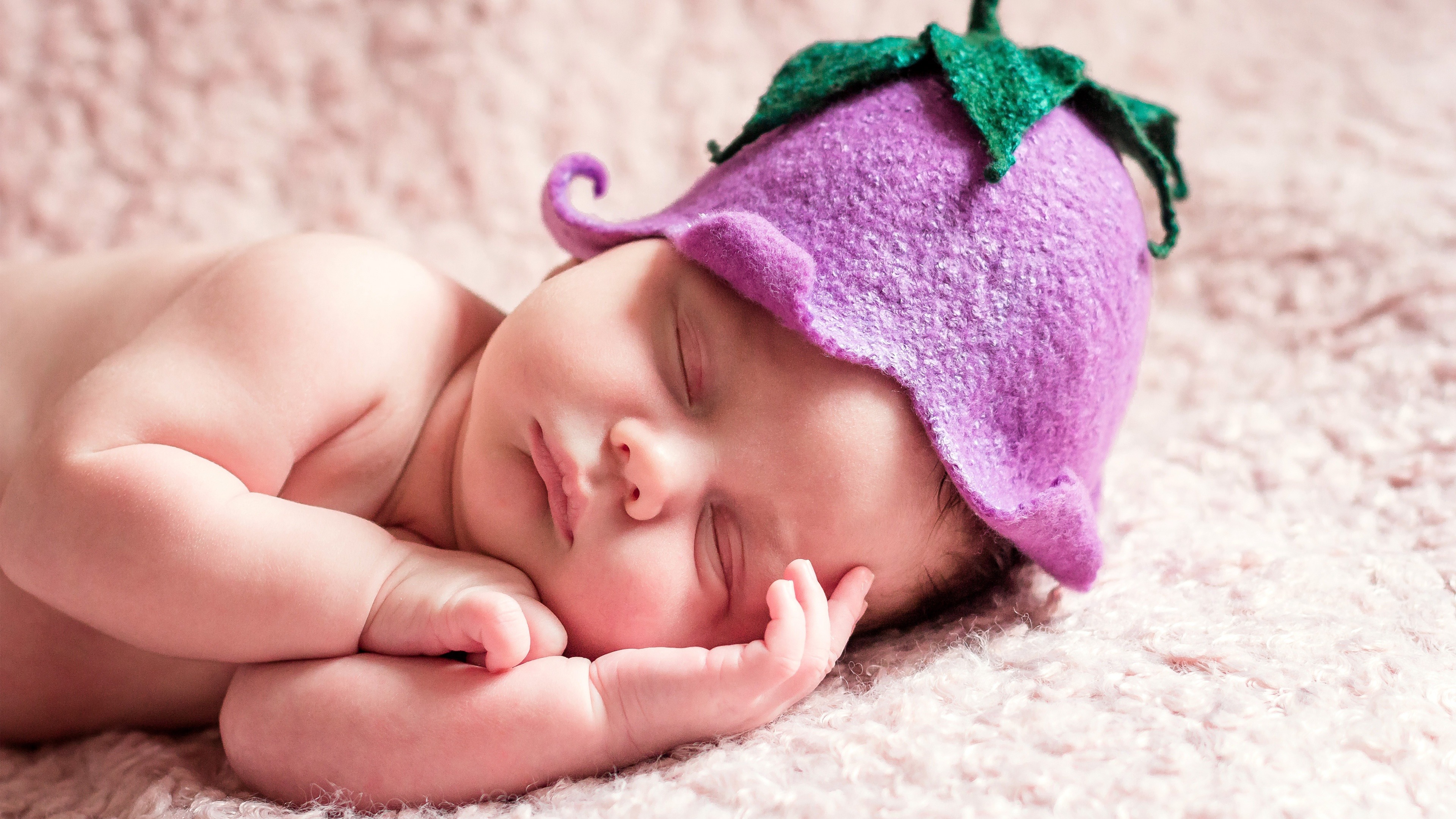 cute sleeping newborn baby wallpapers in jpg format for free download