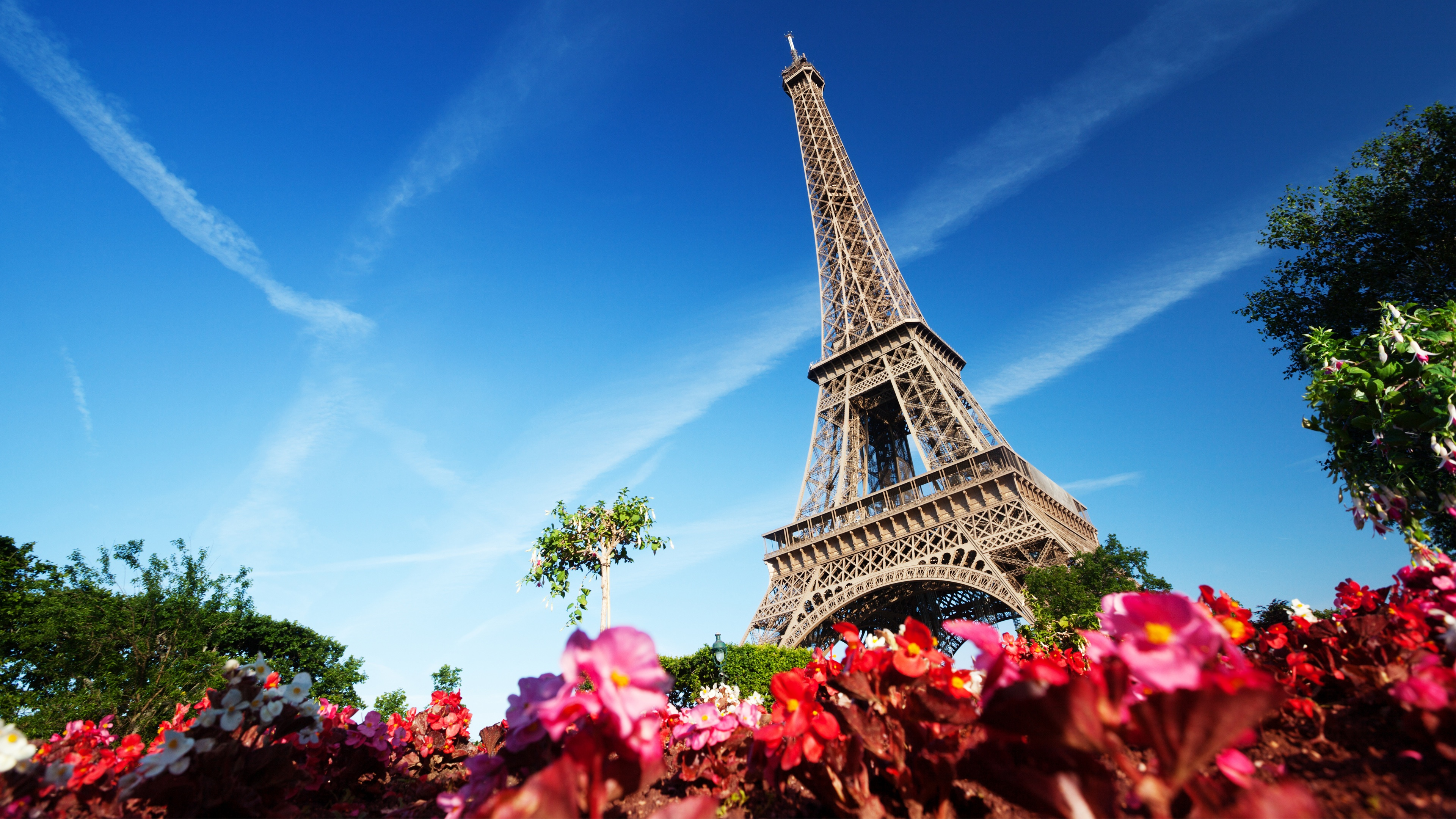 Eiffel Tower Paris France Wallpapers In Jpg Format For Free Download