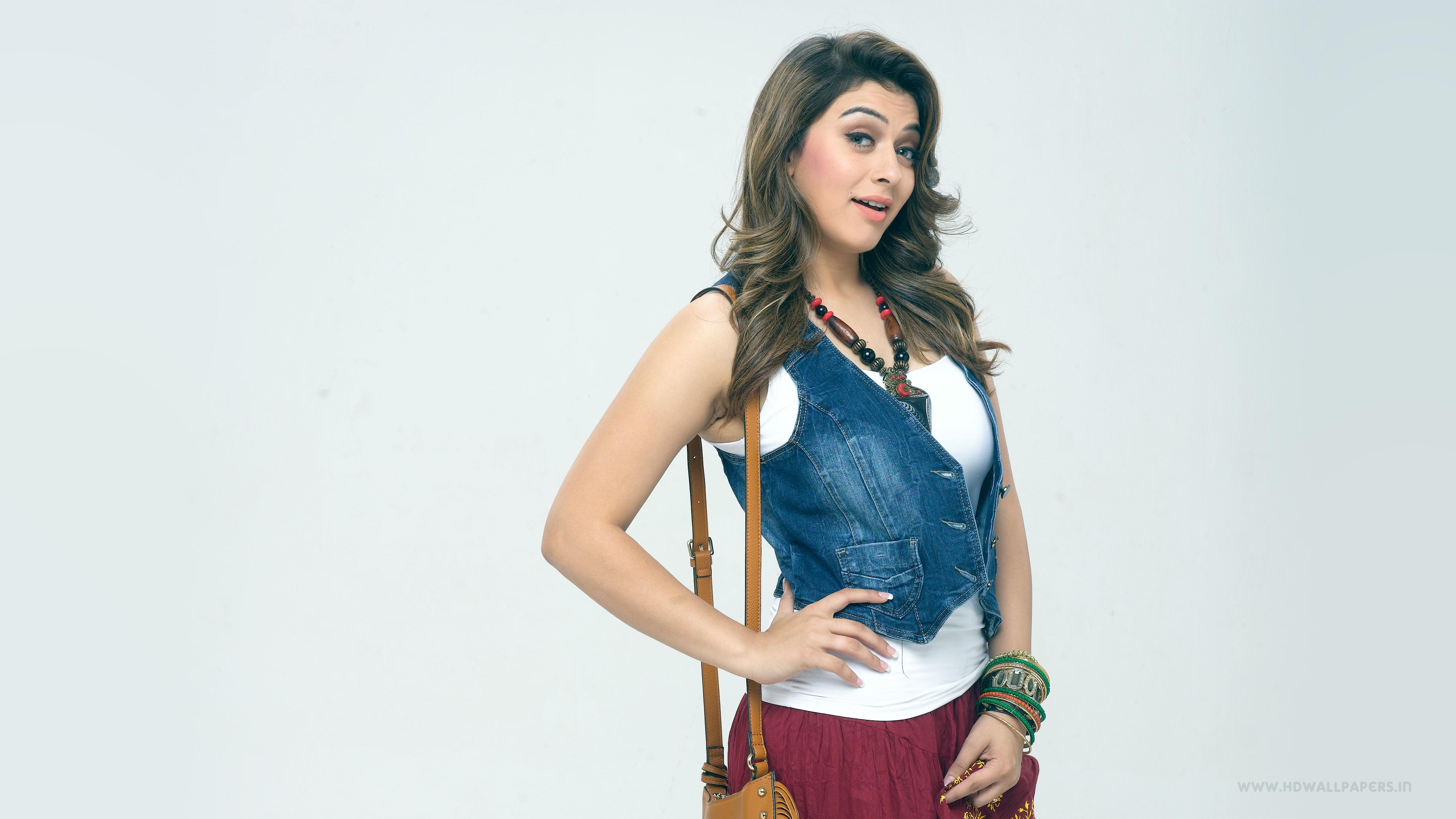 Tamil Actress Hansika Photos Free Download