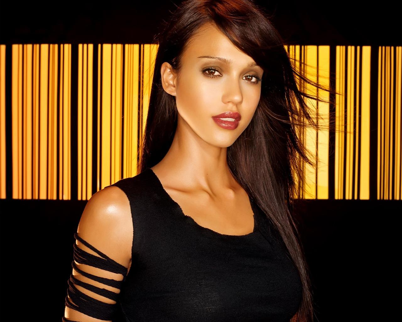 Wallpapers of Celebrities, Actress, Actors, Models in HD & 4K