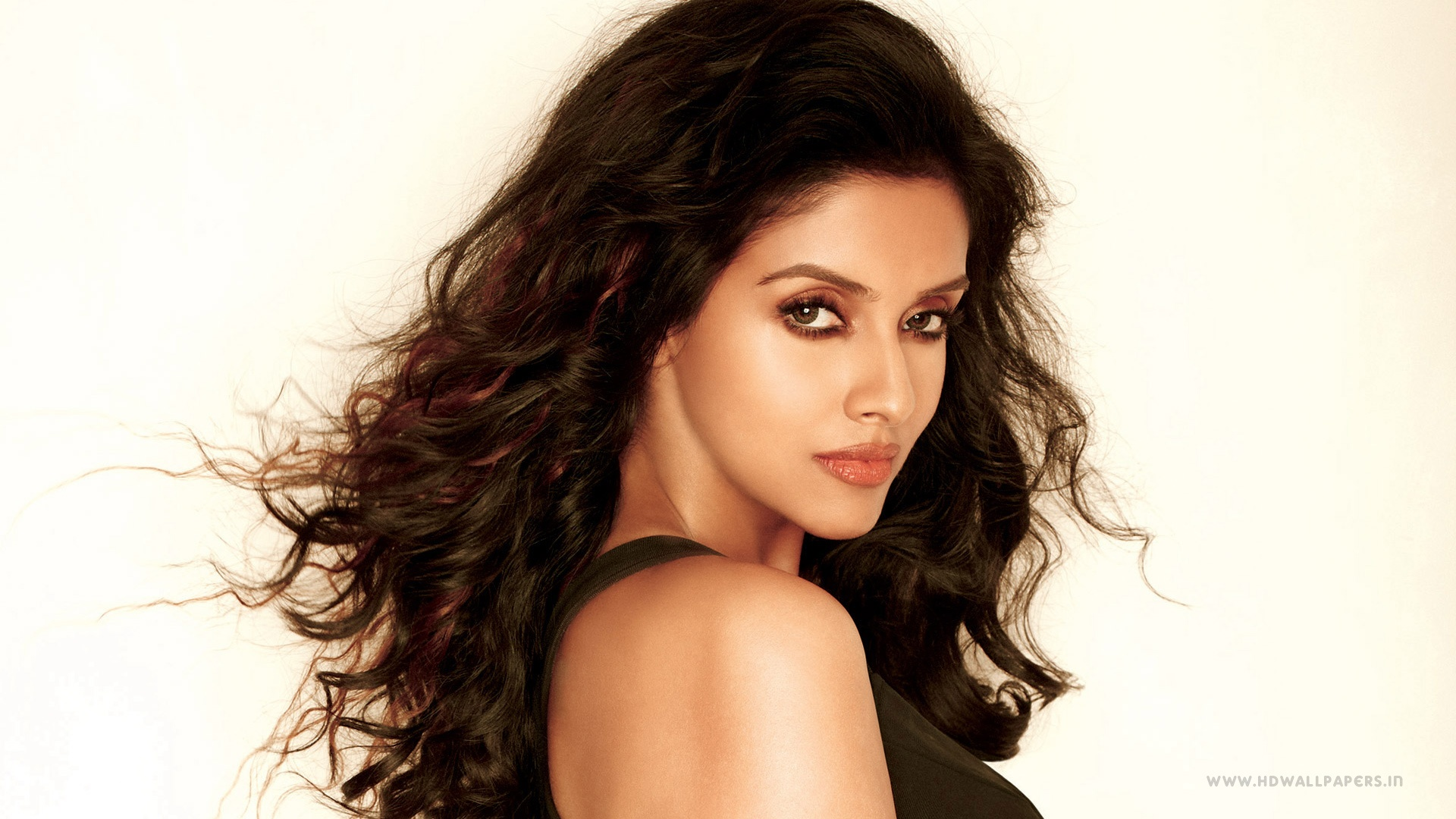 Actress Wallpapers Download Free: Asin Indian Actress Wallpapers In Jpg Format For Free Download