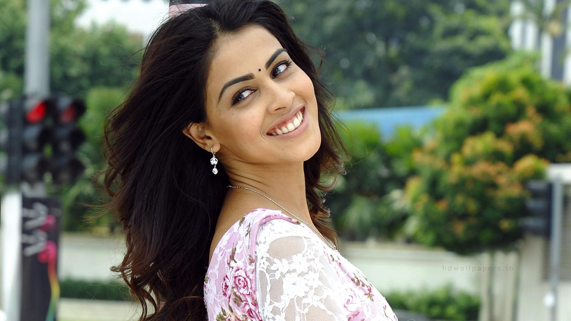 Birthday Special: Bollywood Actress Radhika Apte Owns So