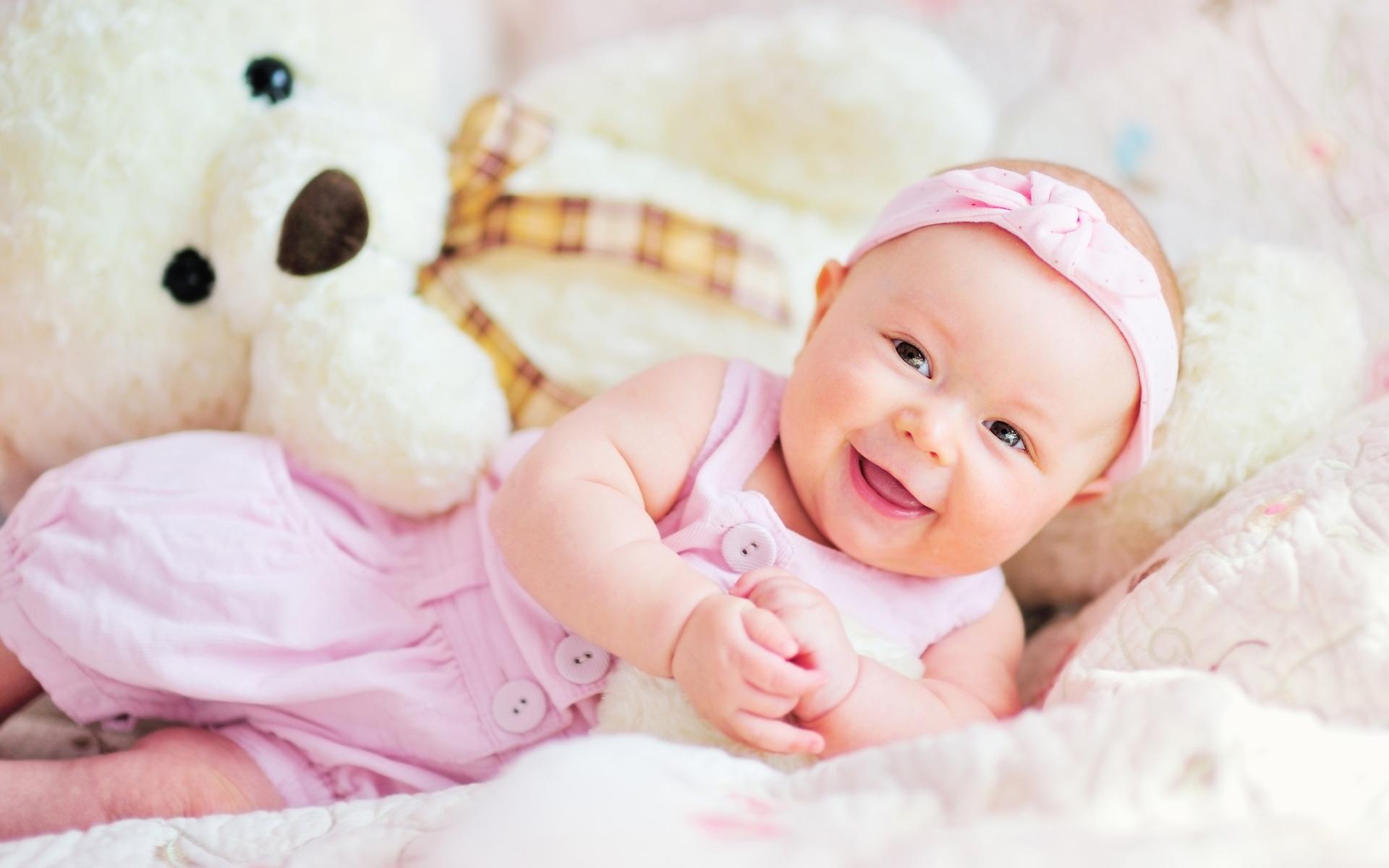 Cute Baby Wallpapers Free Download: Cute Baby Teddy Bear Wallpapers In Jpg Format For Free