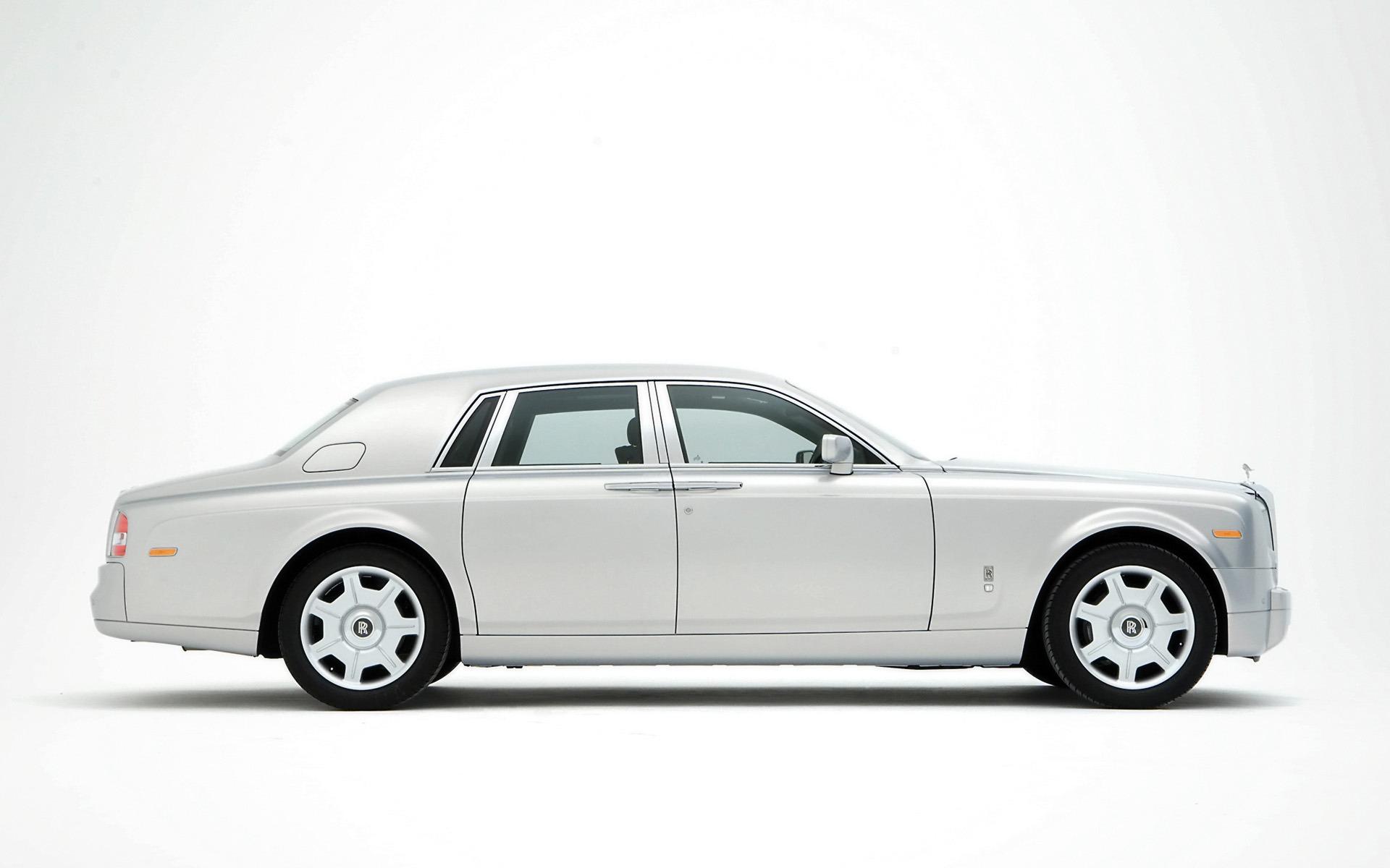 Rolls royce phantom silver side wallpaper rolls royce cars - Royal royce car wallpaper ...